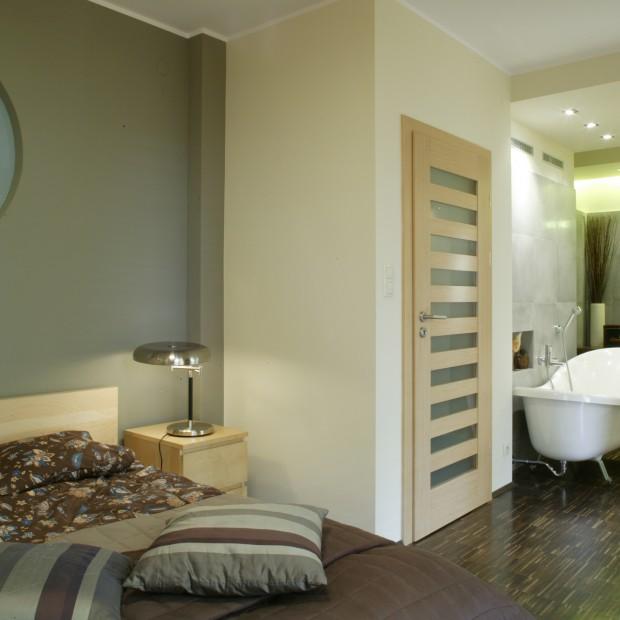 Łazienka połączona z sypialnią: tak się prezentuje!