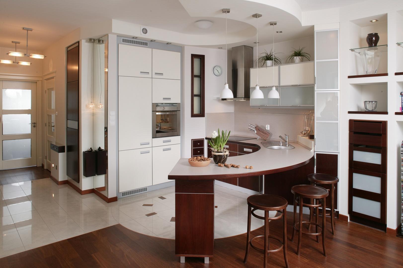 Brąz i wanilia to kolory, Waniliowe fronty w kuchni przepis na przytulność -> Kuchnia Brązowe Meble Jaki Kolor Ścian