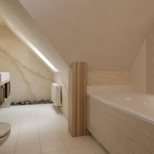 Łazienka pod dachem: jak poradzić sobie ze skosami