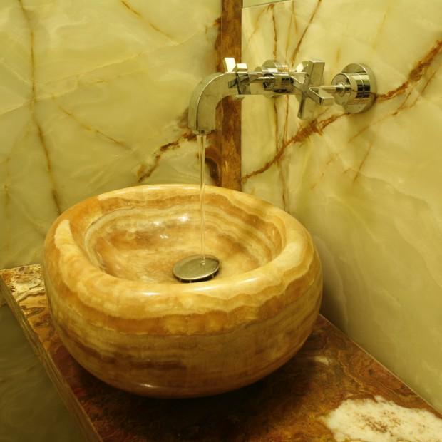 Onyksowa umywalka