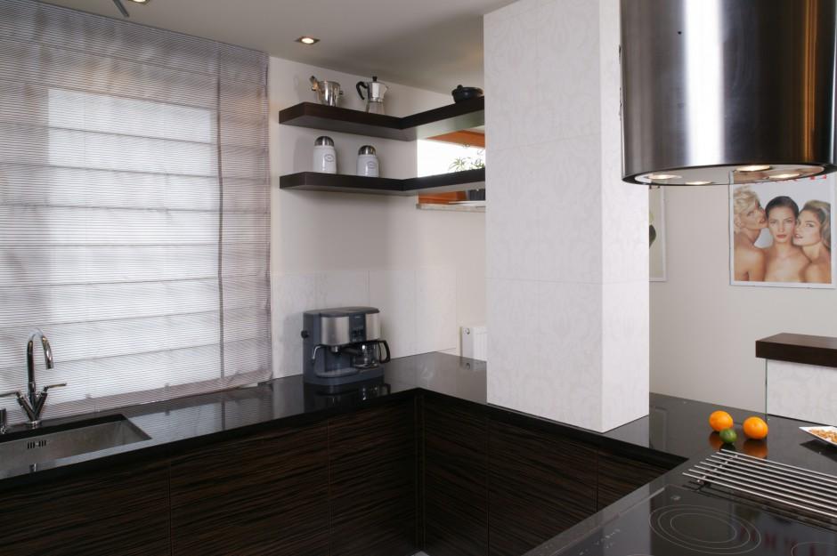 Kuchnia jest prosta, Kuchnia ze szklaną obudową wyspy  Strona 4 -> Funkcjonalna Kuchnia Nowoczesna