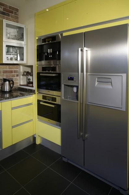 Żółta kuchnia? Nie bój się odważnych pomysłów  Galeria   -> Kuchnia Elektryczna Nie Grzeje