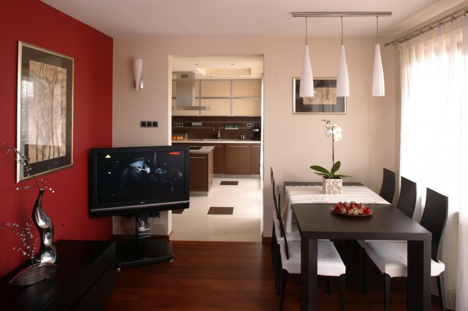 Sąsiadujące z kuchnią, na Dwa mieszkania w jednym   -> Kuchnia I Jadalnia W Jednym