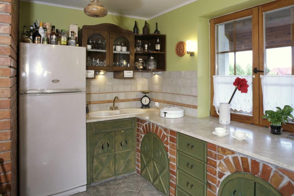 Drewniane drzwiczki, Przytulna kuchnia w rustykalnym stylu -> Kuchnia W Stylu Rustykalnym Inspiracje