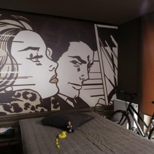 Komiks na ścianie w sypialni. To jest modne!