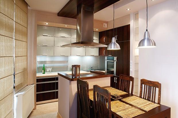 Oferta rynkowa szkła, nadającego się na ściany w kuchni już jest imponująca – przebierać można w kolorach, wzorach, grubości.