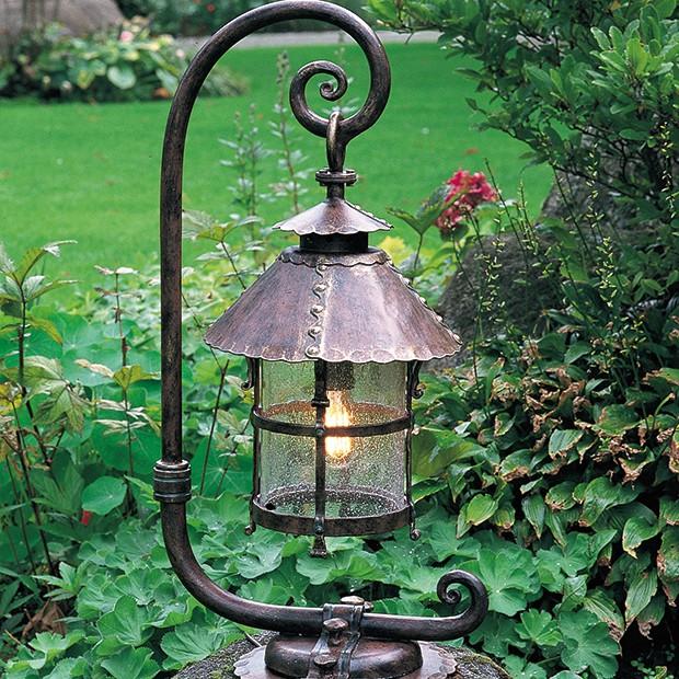 Nastrojowe lampy do ogrodu
