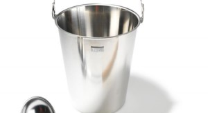 Wiaderka, termometry, zegary, olejki - akcesoria niezbędne w każdej saunie