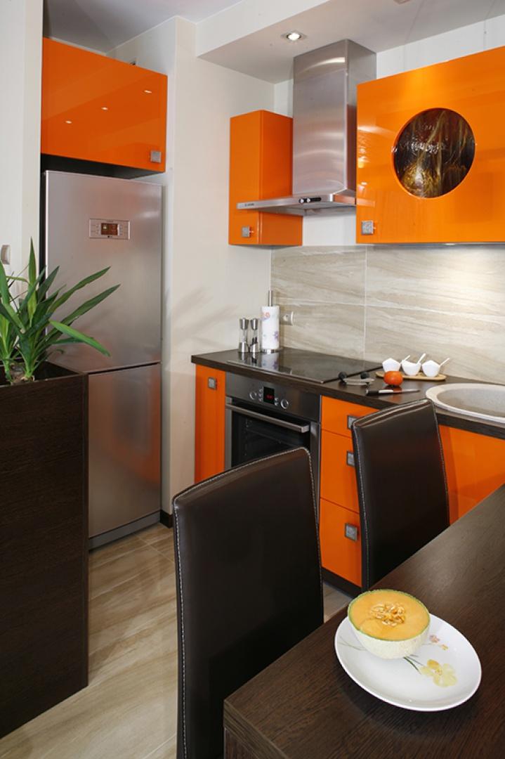 Mała kuchnia w kawalerce postaw na kolor  Galeria
