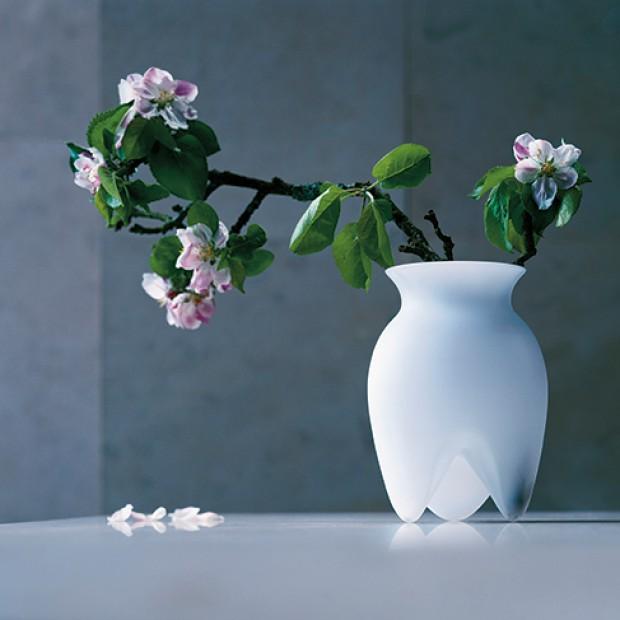 14 pomysłowych wazonów  na kwiaty