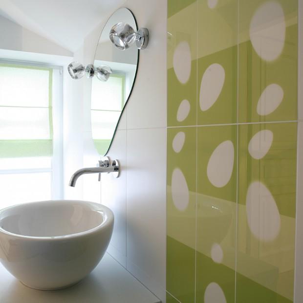 Łazienka dla nastolatki: świeże kolory i nowoczesne wyposażenie