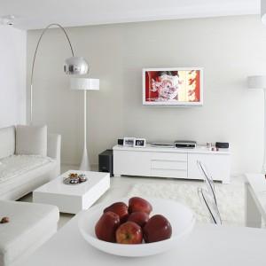 Pokój dzienny w bieli: to jest modne!