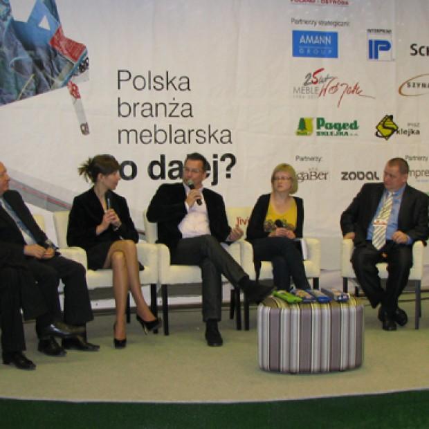 """Panel dyskusyjny """"Kreowanie marki w meblarstwie"""". Relacja"""