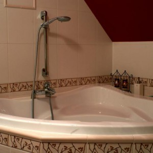 """21-zetem. """"Moja łazienka jest duża i wygodna""""."""