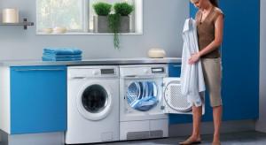Suszarki elektryczne to doskonałe rozwiązanie dla osób, które nie lubią długo czekać na efekt suszenia, nie przepadają za rozwieszaniem prania a prasowanie najchętniej ograniczyliby do minimum.
