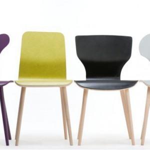 PRZESTRZEŃ DZIECKA. Kolekcja krzeseł X Chair/Paged Meble. Charakteryzuje się prostotą i systemowym sposobem myślenia o formie. Meble zostały zaprojektowane przez Jadwigę Husarską-Chmielarz. Inspiracją do zestawu była moda na meble z lat 80. ze zwężanymi toczonymi nogami. Producent: Paged Meble SA, www.pagedmeble.pl