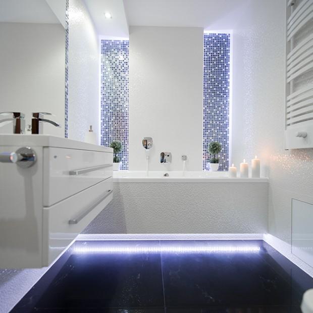 Podświetlenie wanny w łazience: dodaj klimatu wnętrzu