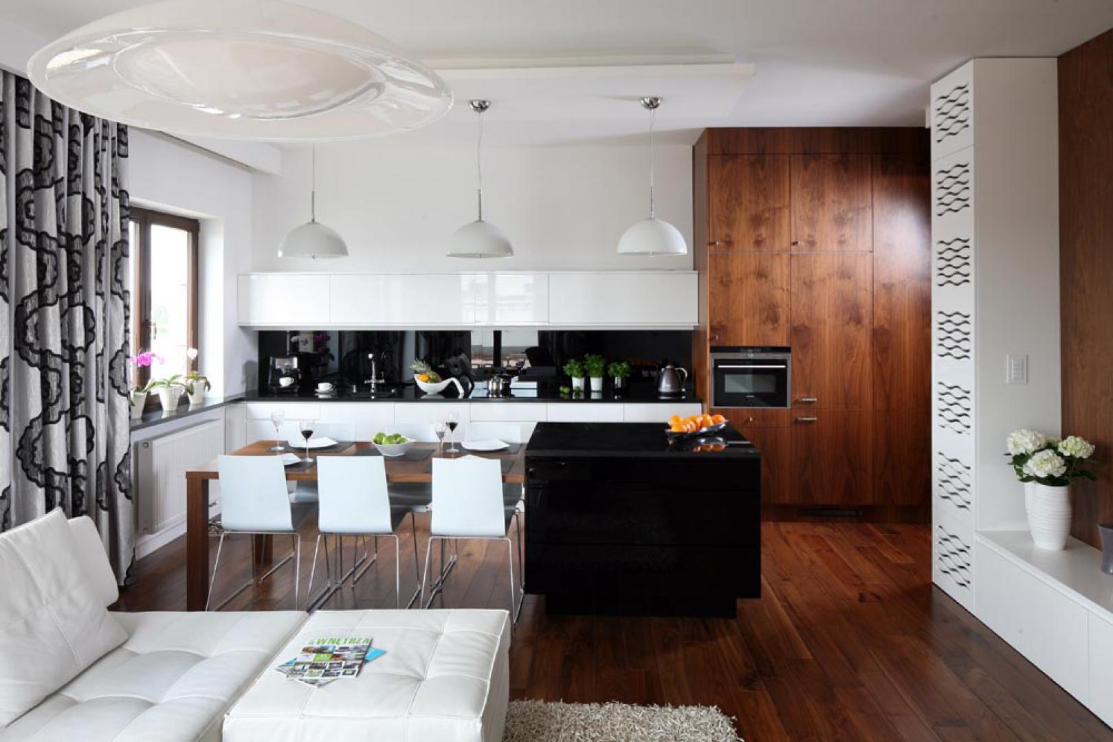 Wnętrze miało być funkcjonalne, czyste, proste i uporządkowane. I takie właśnie jest! Dopracowane do perfekcji dosłownie w każdym metrze. Fot. Bartosz Jarosz.