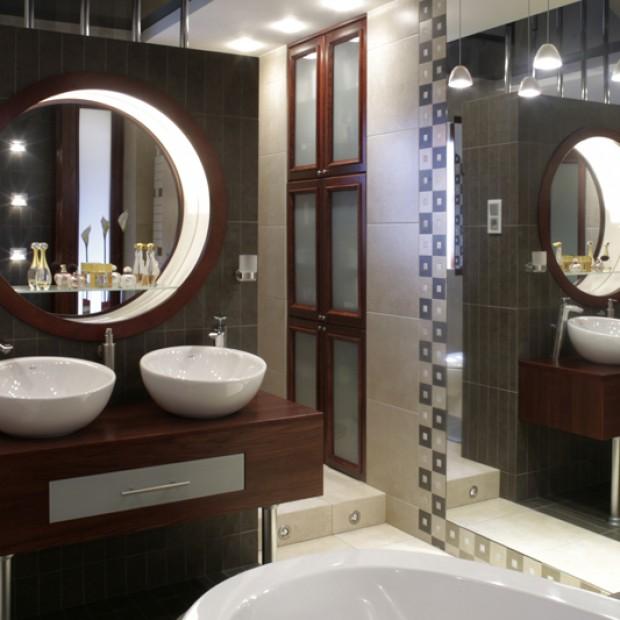 17 łazienek z podwójnymi umywalkami