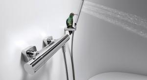 Wybierając armaturę łazienkową warto zwrócić uwagę nie tylko na design, mimo że najnowsze modele baterii przyciągają uwagę efektowną formą, ale także na rozwiązania, które zapewnią nam wygodę podczas codziennej toalety,