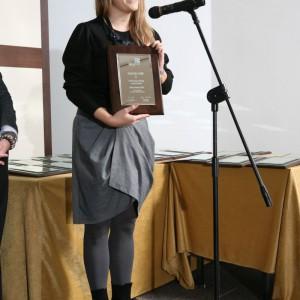 Julia Badura, przedstawicielka marki Beds z nagrodą za łóżko z kolekcji X.