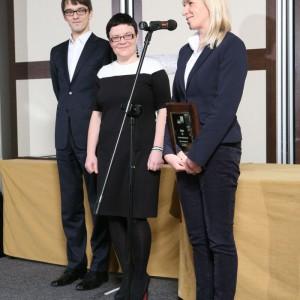 W kategorii Przestrzen Pracy Fabryka Mebli Balma została nagrodzona za kolekcję mebli H2. Na zdjęciu przedstawicielka marki, Anna Śmieszek-Markuszewska.