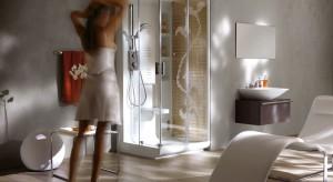 Kabiny typu walk-in to wygodne i efektowne rozwiązanie dla dysponujących nieco większym metrażem: żadnych drzwi, ani progu, wystarczy wejście i niech woda płynie.