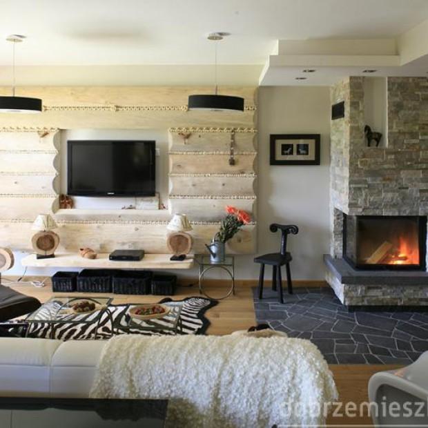 24 pokoje z kominkami w różnych aranżacjach