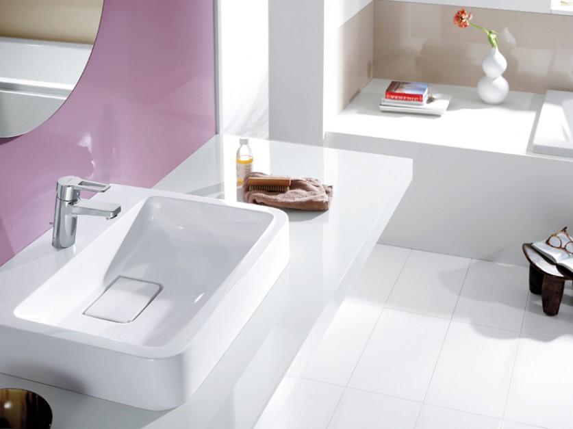 Łazienka z umywalką, bateria.
