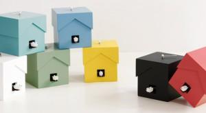 Włoska firma od ponad 40 lat specjalizuje się w produkcji zegarów. I to jakich! Finezja kształtów i kolorów, zaskakujące pomysły i nowatorskie materiały