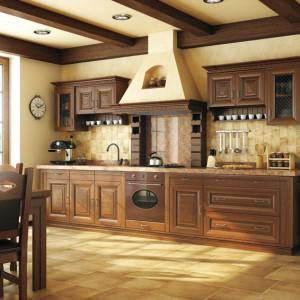 Toskania – kolekcja mebli wykonanych w całości z litego drewna, szlifowanego i lakierowanego specjalną metodą, pozwalającą uzyskać twardą i jedwabiście gładką powierzchnię. Wycena indywidualna, Mebin.