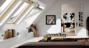 Okna dachowe nie tylko doskonale doświetlą poddasze, ale i ochronią je przed stratami ciepła. Ich wersje energooszczędne mogą również znacznie zmniejszyć zużycie energii, obniżając tym samym wysokość rachunków za ogrzewanie.
