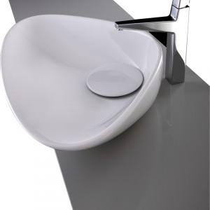 Umywalka nastawna z korkiem ceramicznym. Materiał: ceramika sanitarna Wym. 69x44x16,5 cm. Cena: ok. 1.499 zł (cena promocyjna), Plavisdesign/Drag.
