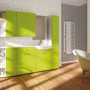 Milena to uniwersalne meble łazienkowe, których kolor oraz mnogość użytecznych szafek pozwoli na kompleksowe wyposażenie każdej łazienki. Cena: ok. 2.500 zł, Stolkar.