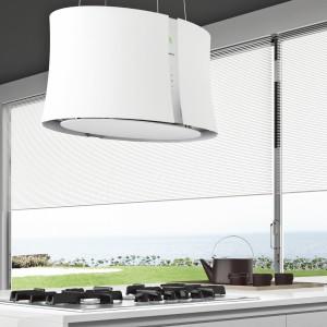 """Zephiro E.ion Biały - wyspowy/przyścienny 66 cm, białe szkło, technologia E.ion oczyszczająca powietrze, wyciąg szczelinowy z hartowanym szkłem, oświetlenie LED, sterowanie sensorowe z czujnikiem """"listka"""". Cena: ok. 9.900 zł, Falmec."""