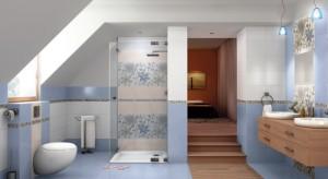 Ekspert przedstawia pomysł na aranżację łazienki z kabiną prysznicową zamiast wanny.
