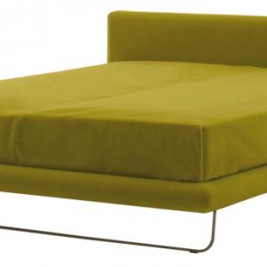Prosta forma łóżka Avalon (nowość prezentowana w czasie tegorocznego Isaloni) świetnie się sprawdzi w nowoczesnych sypialniach. W całości tapicerowane tkaniną lub skórą, pokrycie zdejmowalne. Na zamówienie, LivingDivani/LAB