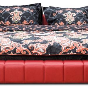 Tapicerowane w skórze, ultranowoczesne łóżko Trillo Dolce z charakterystycznymi, geometrycznymi przeszyciami. Cena: od ok. 6.805 zł (w skórze), Kler.