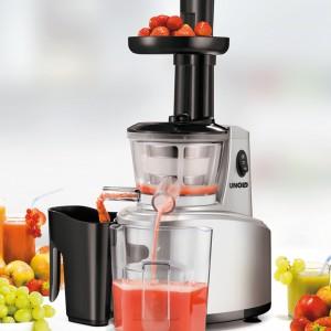 Wyciskarka do owoców Unold 78256 to niższe obroty dla uzyskania dokładnie wyciśniętego soku oraz pionowa spirala dla uzyskania jeszcze większej ilości soku. Cena: ok. 359 zł, Unold.