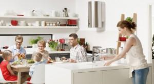 Strefa zmywania to jedna z pięciu stref, która obowiązkowo musi znaleźć się w każdej kuchni. Będzie wygodnym i funkcjonalnym miejscem pracy tylko wtedy, jeśli ją dobrze zaplanujemy.