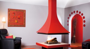 Kominek to dziś już obowiązkowy element każdego salonu. Element, który staje się często ciekawą, efektowną dekoracją. Nawet do minimalistycznych wnętrz wprowadza ciepły, przyjemny klimat.