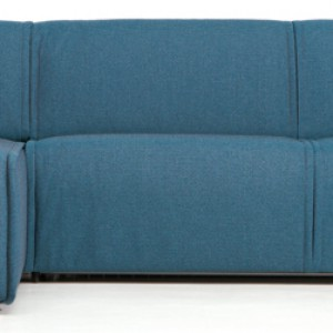 Kompaktowa sofa Nimble z funkcją spania o powiększonym siedzisku. Wyróżnia się mocnym, męskim designem i charakterystycznymi szwami. Materac wykonany z wytrzymałej pianki. Wym. powierzchni do spania: 140 lub 160x210x45 cm. Cena: od ok. 6.455 zł, Kvadra/Le Pukka.