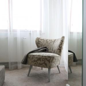 Ten fotel ma już swoje lata. To autentyk z lat 70. Fot. Bartosz Jarosz.