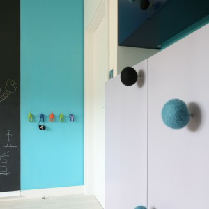 Pomysłowe meble świetnie się sprawdzą w pokoju dziecka.  Fot. Bartosz Jarosz.
