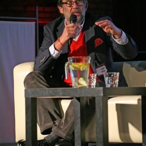 Piotr Voelkel, założyciel i współwłaściciel Grupy Kapitałowej Vox, założyciel School of Form, współtwórca centrum designu Concordia Design, promotor polskiego designu.