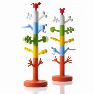 Drzewko Paradise Tree w kolorach tęczy ożywi każdy dziecięcy pokój. Proj. Oiva Toikka. Magis Me Too/Galeria Domino