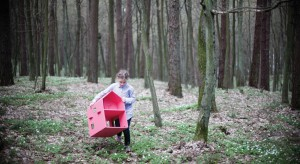Trzy Myszy to polska marka produkująca oryginalne, inspirujące i wytrzymałe zabawki z tektury, które każde dziecko z pewnością pokocha! To idealna alternatywa dla plastikowych i powtarzalnych zabawek, których pełne są polskie sklepy.