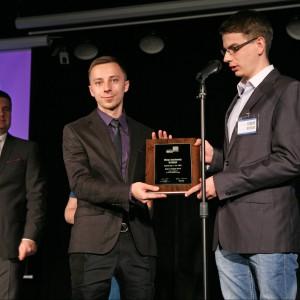 Okap kuchenny Hydria marki Ciarko zdobył tytuł Dobry Design 2014 w podkategorii Zabudowa Kuchenna. Nagrodę odebrali: Kamil Machura, przedstawiciel firmy Ciarko oraz Łukasz Paszkowski, projektant.