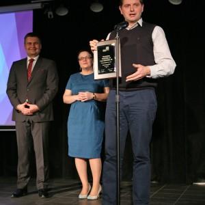 W kategorii Okna jury nagrodziło mechanizmy Smartroll 24 oraz Smartroll 32 marki Franc Gardiner. Nagrodę odebrał Paweł Matuszkiewicz, dyrektor generalny firmy Franc Gardiner.