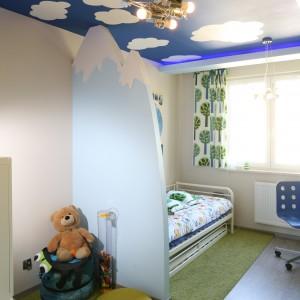 Dywan w pokoju małego podróżnika imituje trawę. Fot. B. Jarosz.JPG